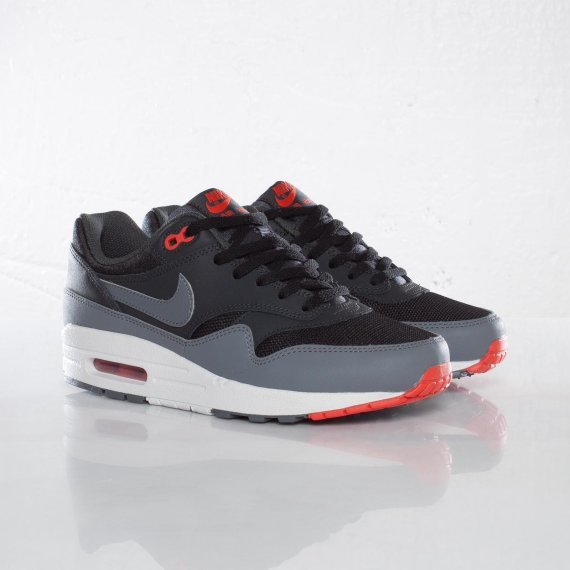 66ff3b3eef2 Nike Air Max 1 GS Color  Black Clear Grey Anthracite Team Orange Style   555766-001