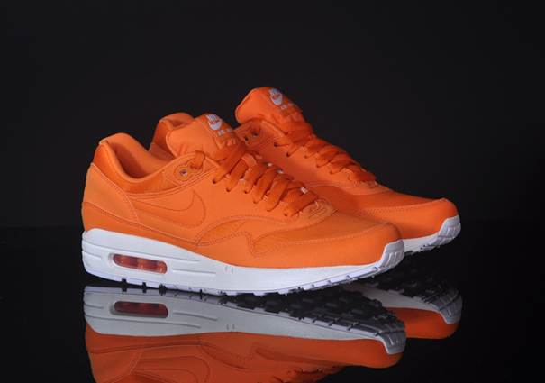 Air Max 1 Orange Fluo
