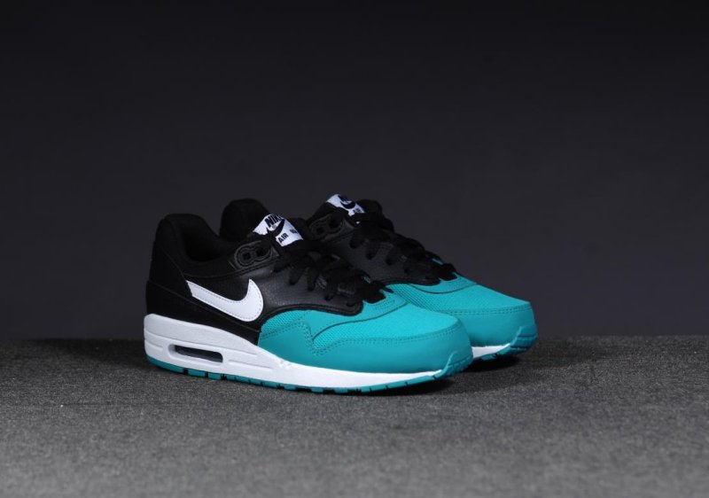nike air max women 2014 green color page for kids Best Track Spikes for Triple  Jump. be02a9232