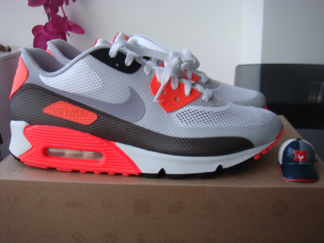 finest selection f7649 f611e Nike Air Max 90 Hyperfuse White Blue
