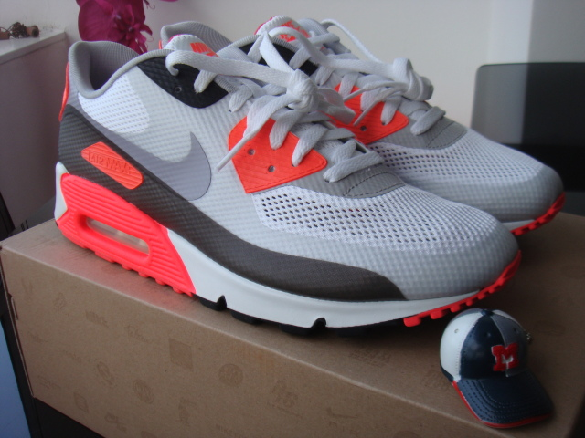a2be1646dee6 Nike Air Max 90 Hyperfuse