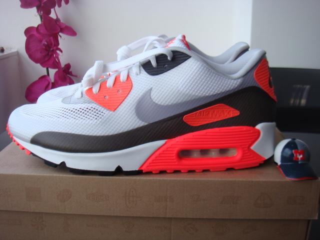 5e182a04cc49 Nike Air Max 90 Hyperfuse