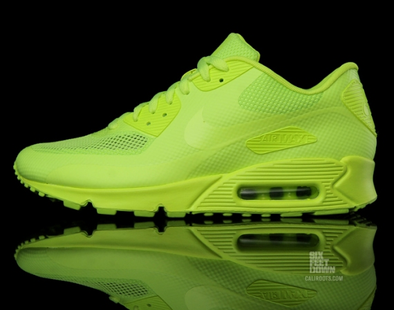 air max 90 hyperfuse volt