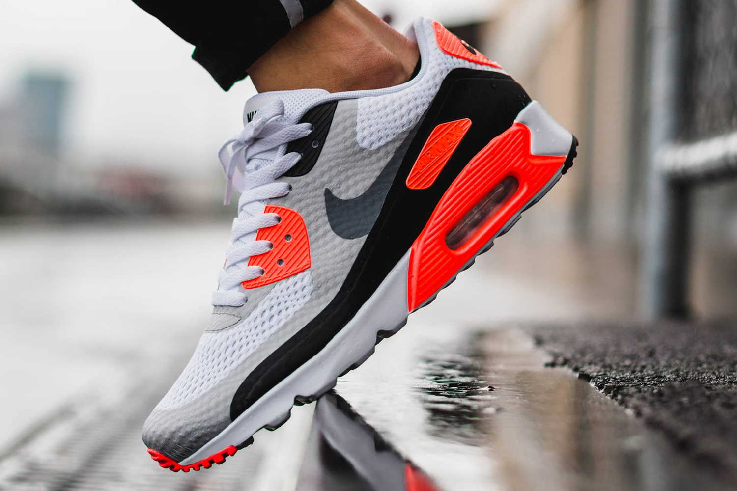 Nike Air Max 90 Ultra Essential shoes red black white