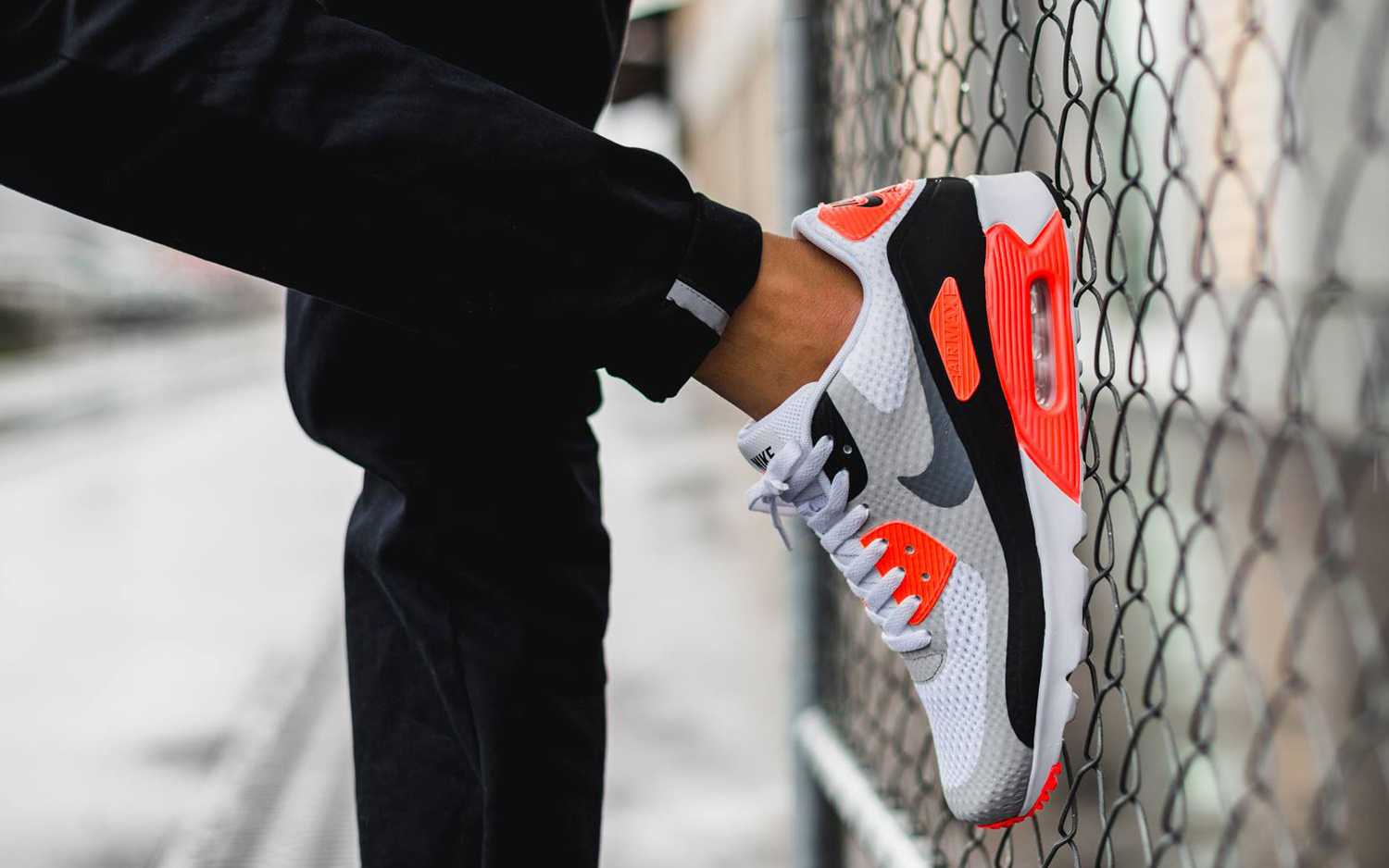 Nike Air Max 90 Ultra Essential Men's Shoe