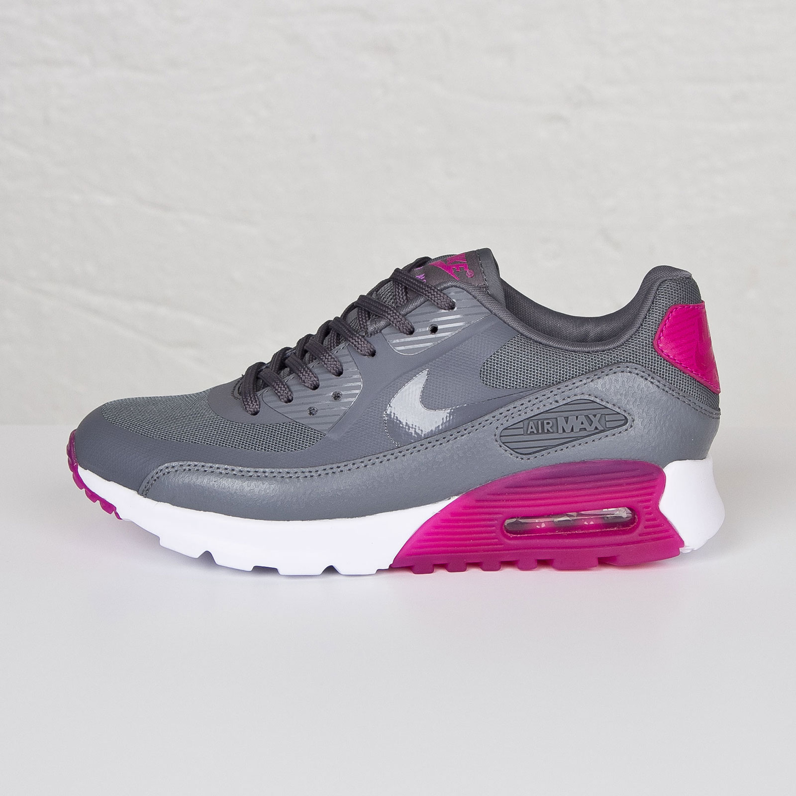 nike women 39 s air max 90 ultra essential cool grey fuchsia flash air 23 air jordan. Black Bedroom Furniture Sets. Home Design Ideas