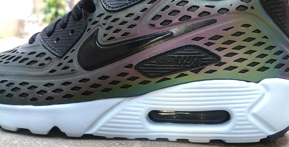 air max 90 ultra moire holographic