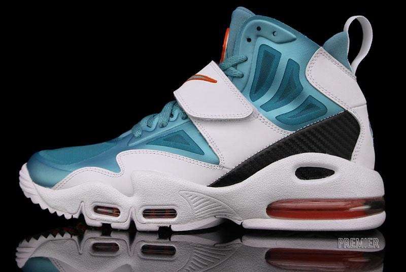 finest selection 82f47 a25e7 Nike Air Max Express – White Sport Turquoise-Team Orange