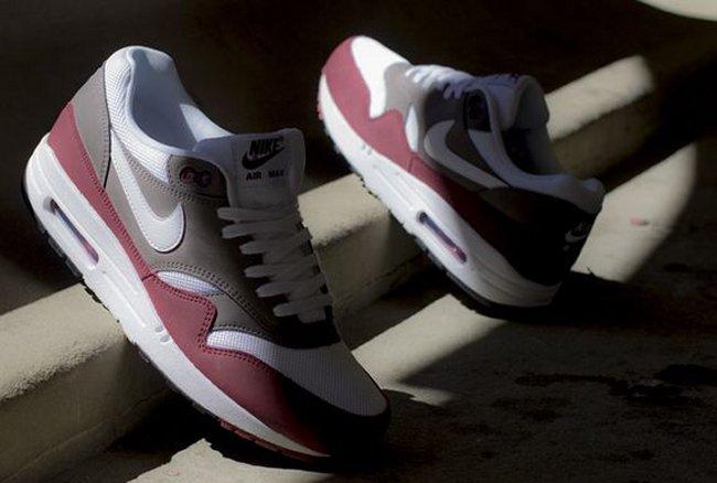Nike Air Max 1 Essential – Team RedPetra Brown