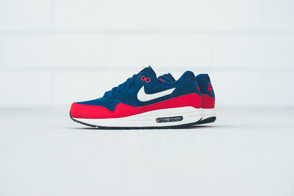e92b2e5f225 Nike Air Max 1 Essential Color: Midnight Navy/University Red-Light Bone  Style: 537383-400