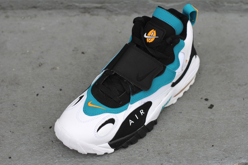 e68c254fb06 Nike Air Max Speed Turf