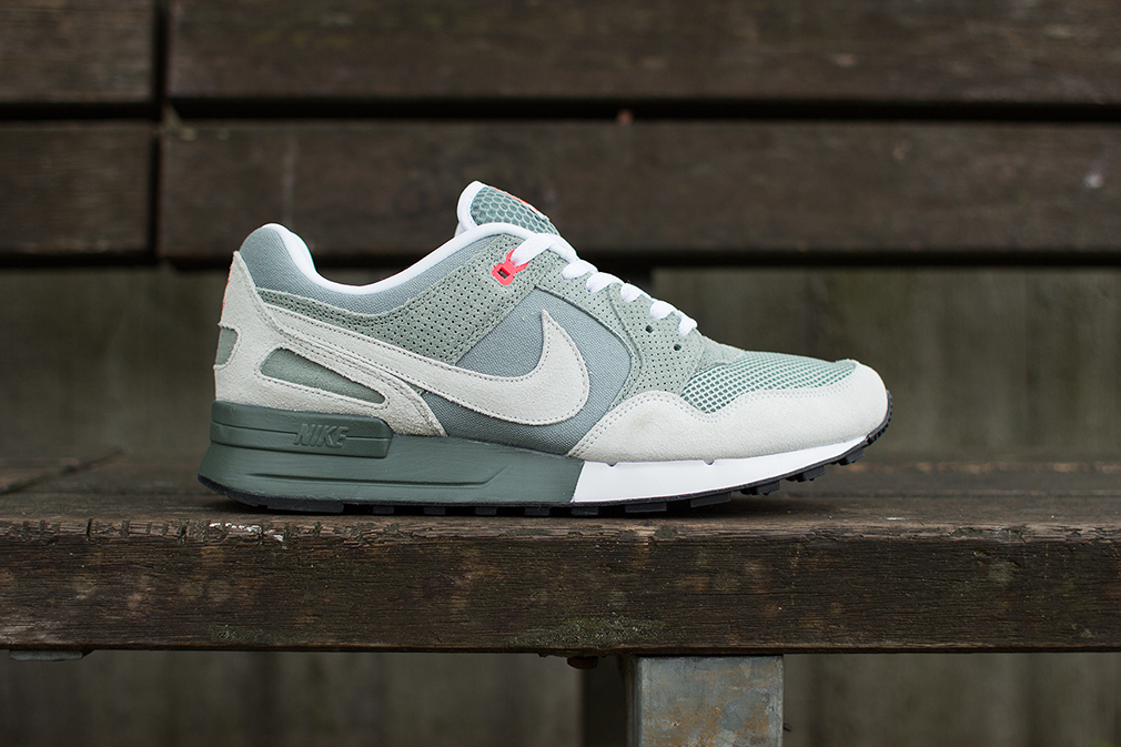 nike air pegasus 39 89 mica green light base grey dark. Black Bedroom Furniture Sets. Home Design Ideas