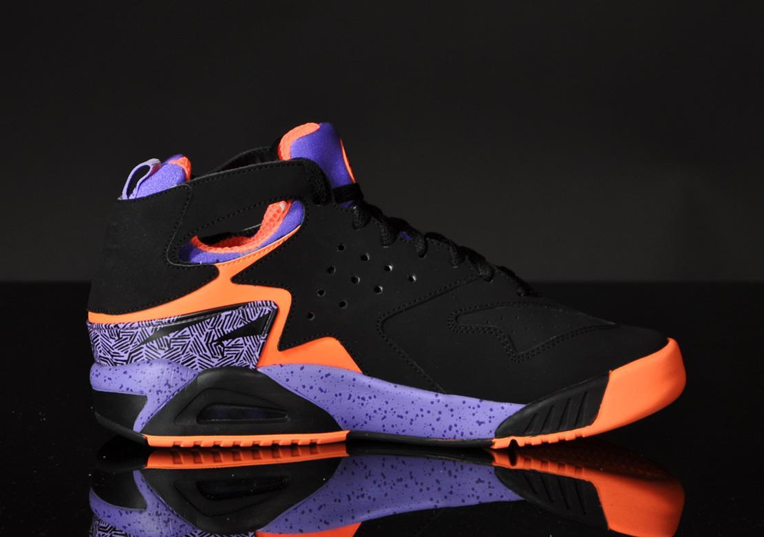 online store ff7b5 595de Nike Air Tech Challenge Huarache Black Atomic Orange 630957 002 Size 11.5  NEW