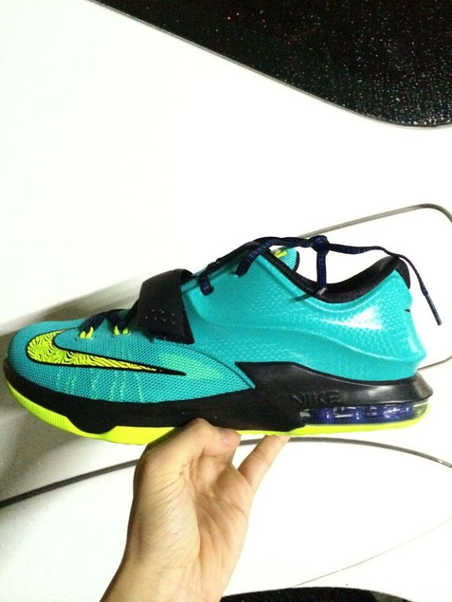 "buy popular 1e22b 79222 Nike KD 7 (VII) ""Lightning"" Images and Release Info"