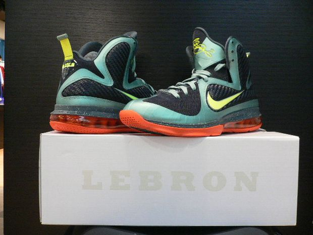 "sneakers for cheap e734b dbbfd Nike LeBron 9 Men s Size 13 ""CANNON"""