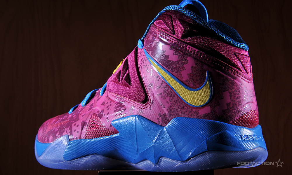 53413b0c82a Nike Zoom LeBron Soldier 7