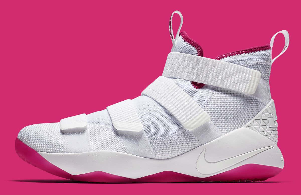 c71863b42d1 Nike LeBron Soldier XI