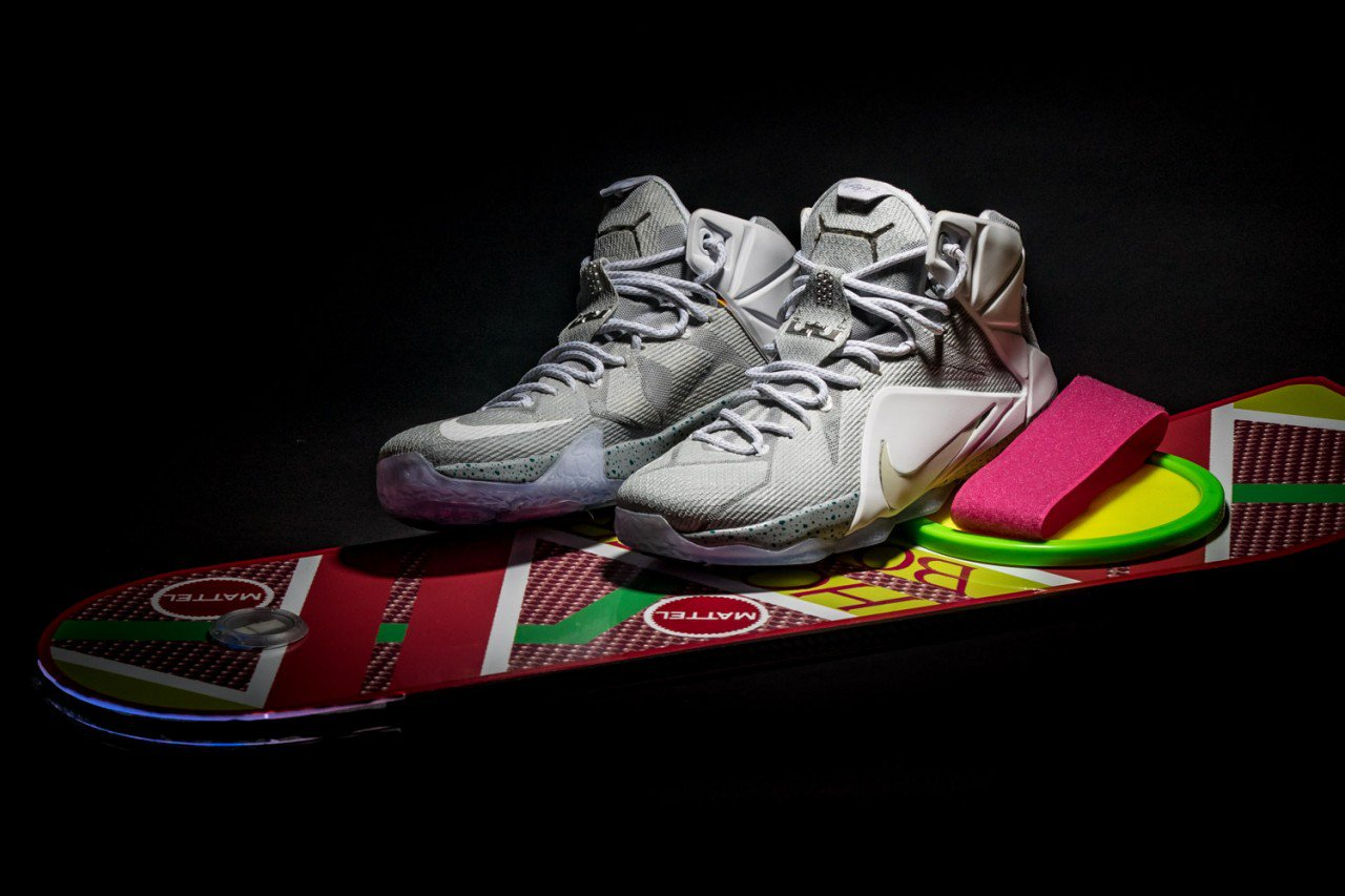 new arrival 63f25 f4893 Nike Air Mag 2011 Back to the Future Marty McFly Shoes
