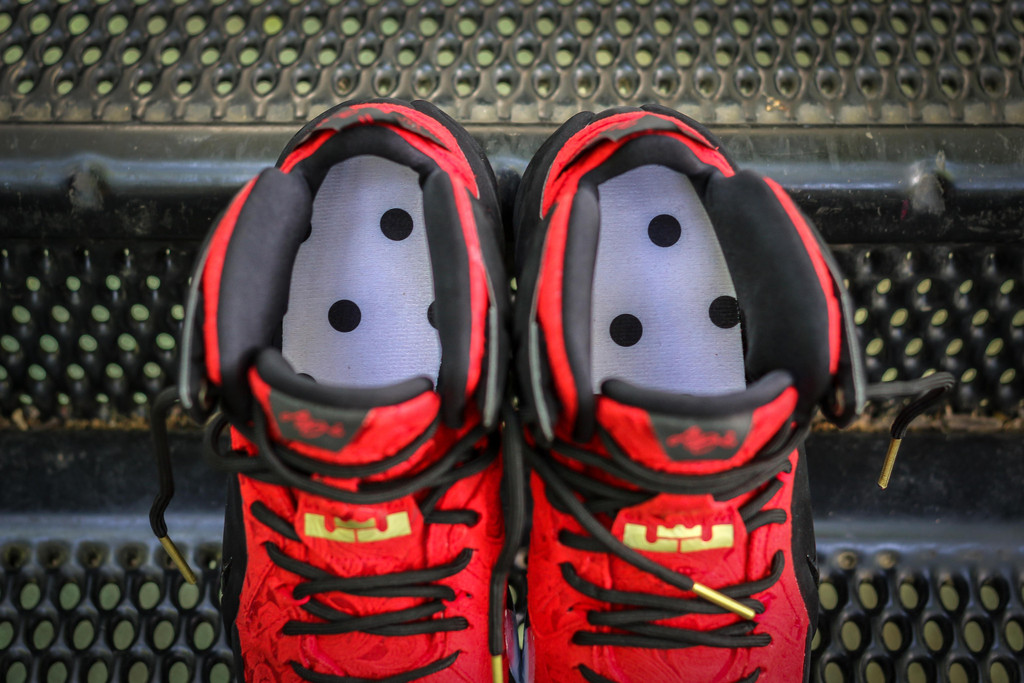 best service 4a077 15322 Nike LeBron 12 Red Paisley sz 10.5 Brand New!