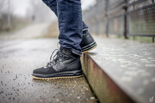 nike lunar force 1 duckboot black metallic silver
