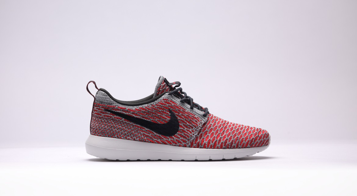 official photos 2a9bc a6db5 Nike Roshe NM Color  Bright Crimson Anthracite-Pure Platinum-White Style   677243-602