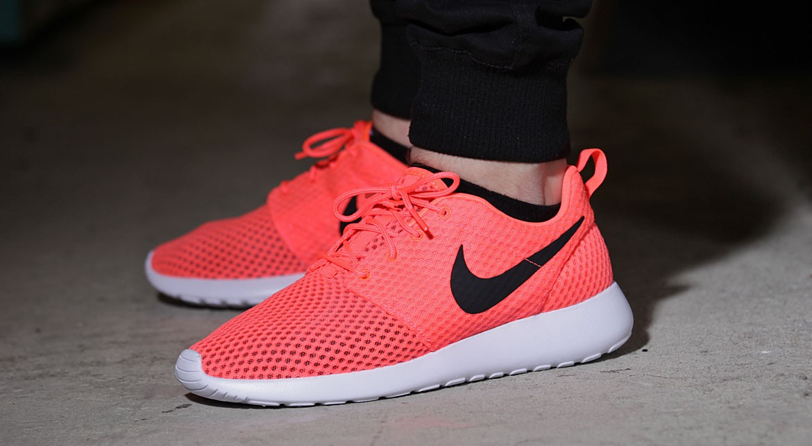 nike roshe run one breeze hot lava
