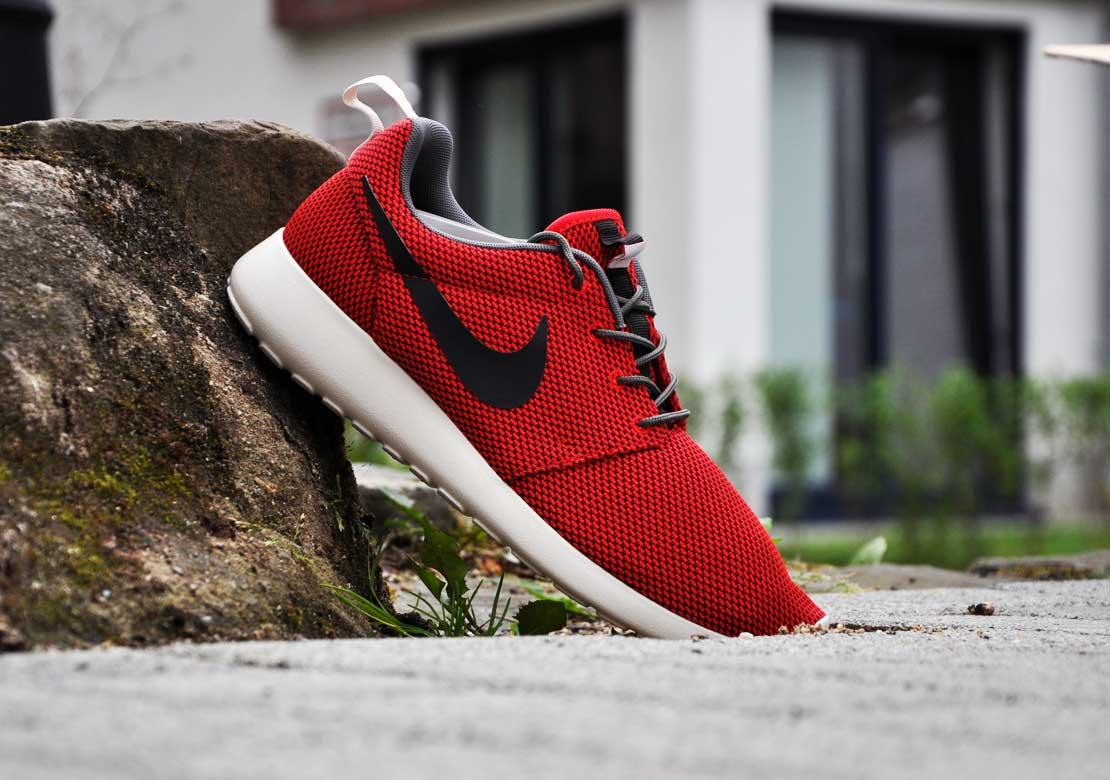 5fdc7d78e6f84e Nike Roshe Run Color  University Red Velvet Brown Style  511881-622.  Release  12 20 2013. Price   90.00