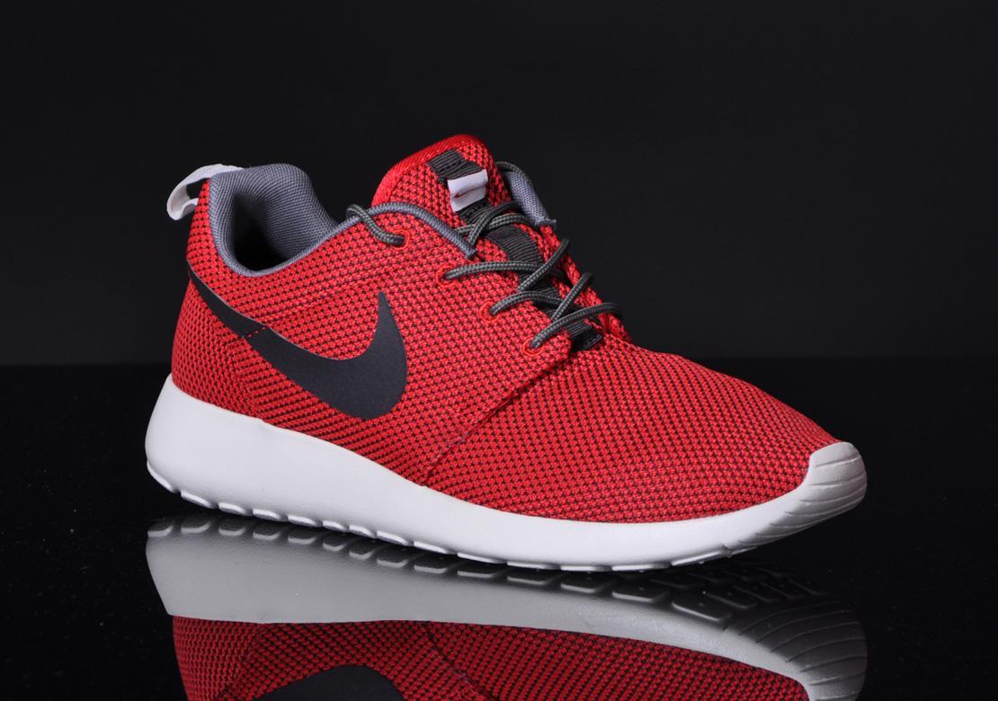 f8a1cf38f59c Nike Roshe Run Color  University Red Velvet Brown Style  511881-622.  Release  12 20 2013. Price   90.00