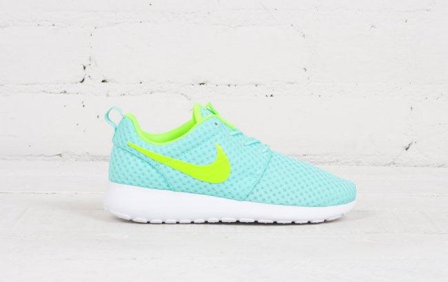 9f2ddf17c70e Nike Women s Roshe Run BR Color  Artisan Teal Volt-White Style  724850-371.  Price   75.00