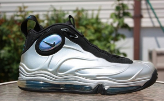 51fb27cc033 Nike Total Air Foamposite Max Color  Metallic Silver Black Style   472498-040. Release Date  09 30 2011. Price   225.00