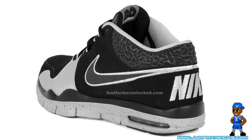 New Nike Bo Jackson Shoes http://www.jumpmankicks.com/news-11-02-09-nike-trainer-mid-bo-knows.htm