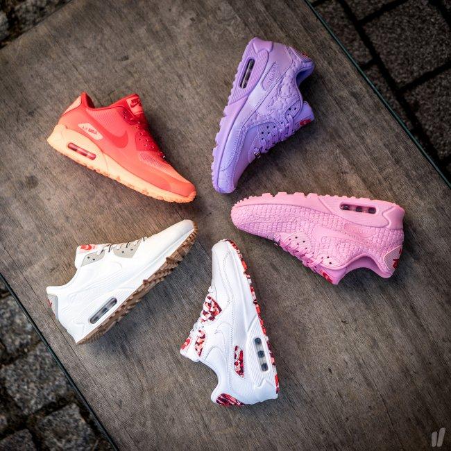 "b3be392345 Nike Wmns Air Max 90 VT QS ""City Pack "" Tokyo Color: White/White-Light  Beige Chalk-Velvet Brown Style: 813153-100"