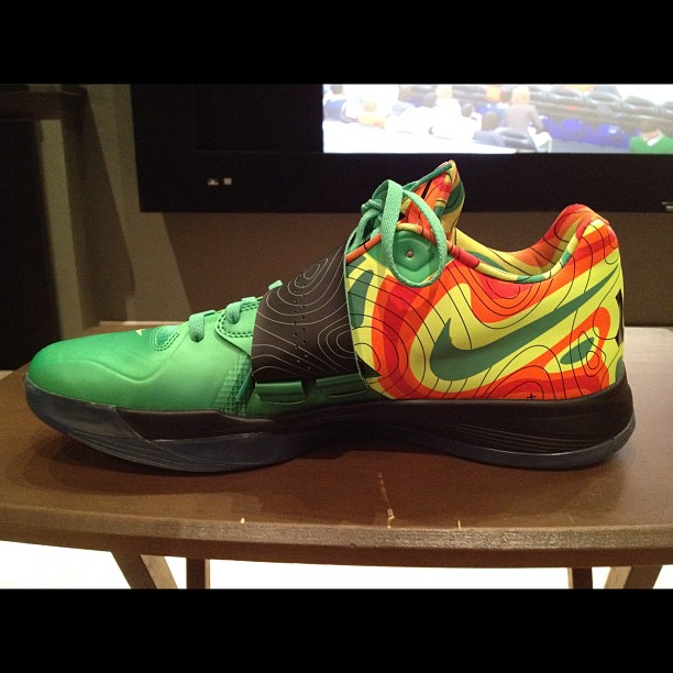 76d793bd9896 Kevin Durant wearing the Nike Zoom KD IV Weatherman