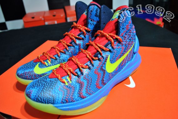 76147f4f470e Nike KD V 5 Christmas size 12 Kevin Durant Christmas 5s Golden State  Warriors KD