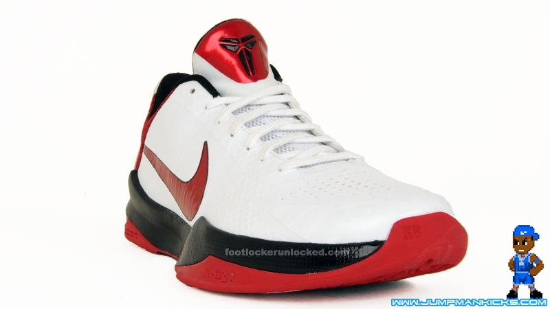 b59b10a9fe7 The White Varsity Red-Black Kobe V is scheduled for release on 2 6. NIKE  ZOOM ...