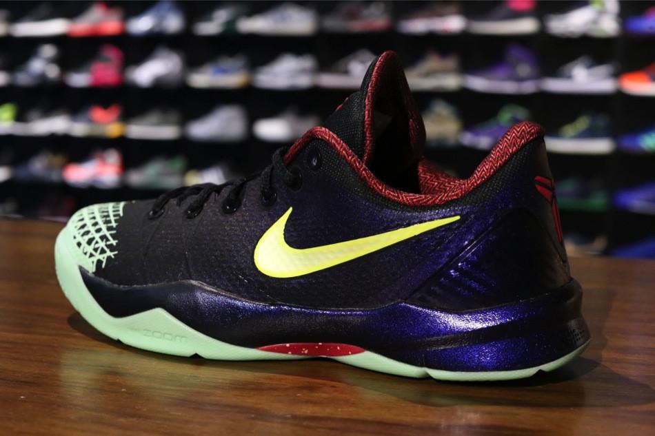 new concept 86fc4 510f2 Nike Zoom Kobe Venomenon 4. Color  Black Lemon Chiffon-Court Purple Style   635578-003. Release  12 14 2013. Price   120.00