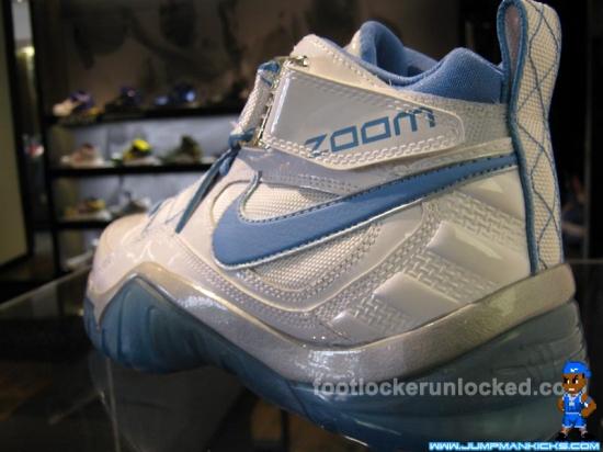 Deron Williams Shoe Size